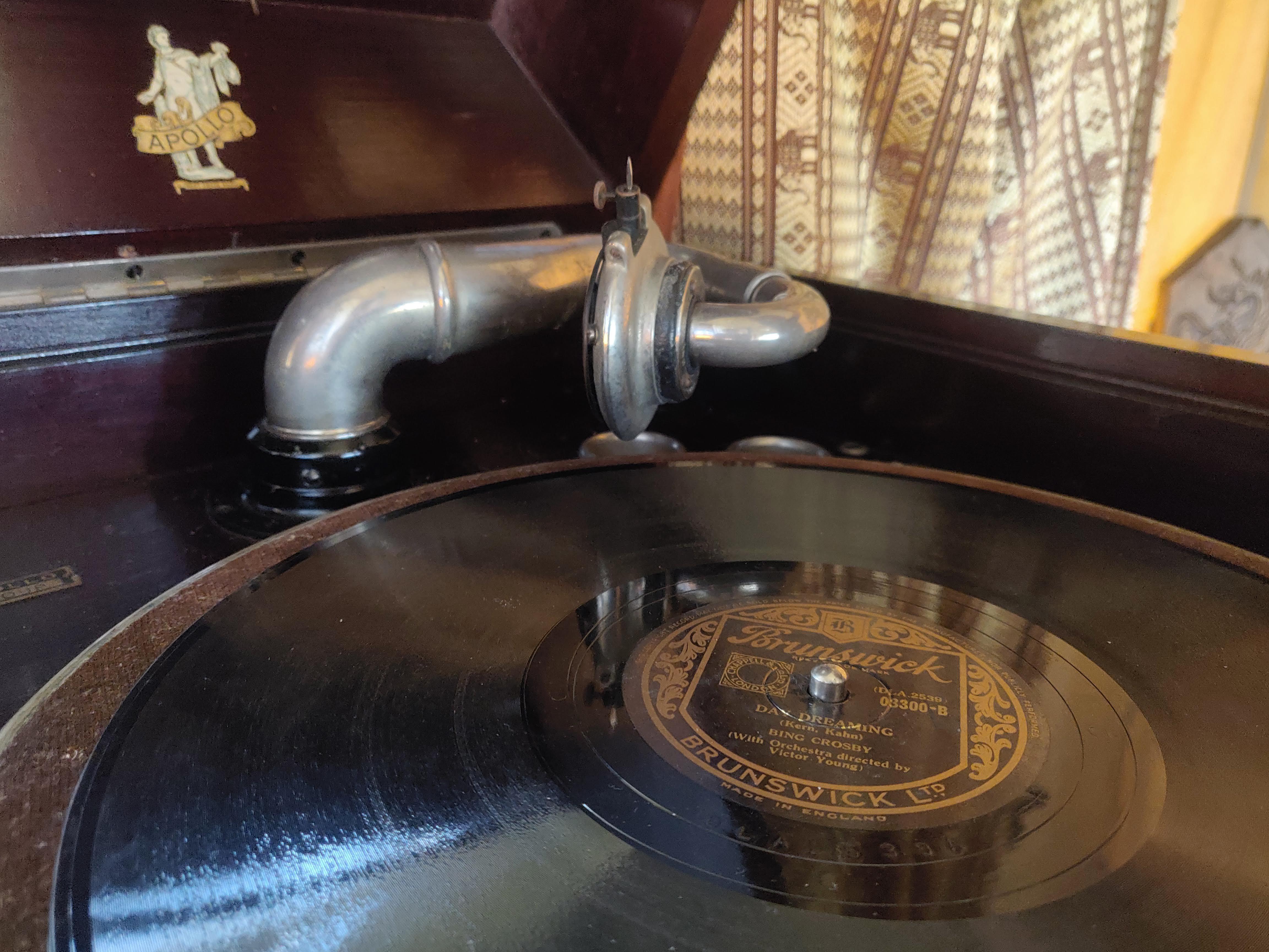 The gramophone in Northern Skies